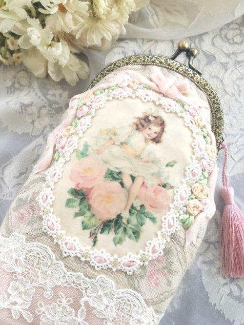 他の写真1: ピンクの薔薇の少女のポーチ完成品 (akiko)