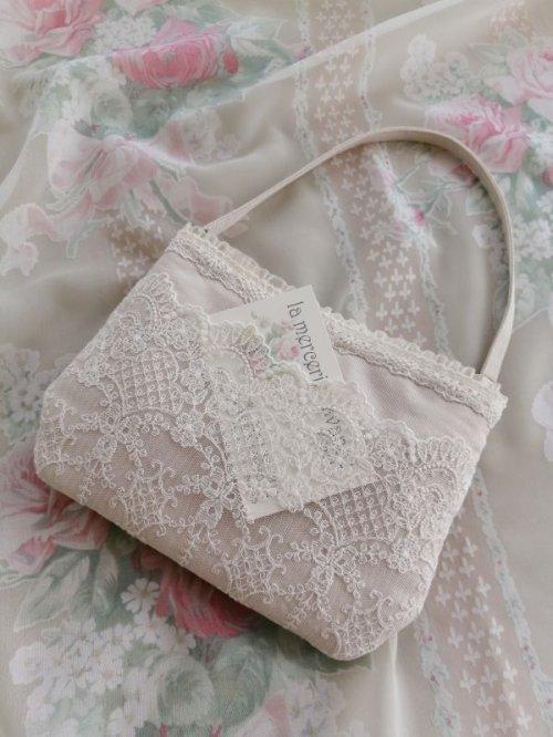 他の写真2: バッグにかけられるポーチ完成品A  (akiko)