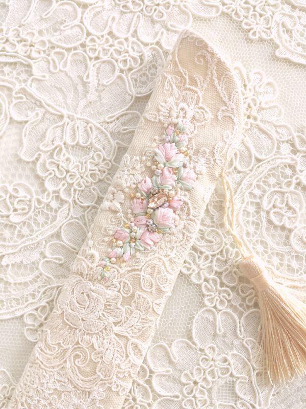 画像1: リボン刺繍のジュエリーのような扇子ケース完成品 (akiko)